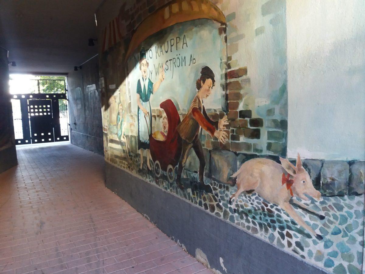 Oletko nähnyt Kaarlenkadun hienot seinämaalaukset?