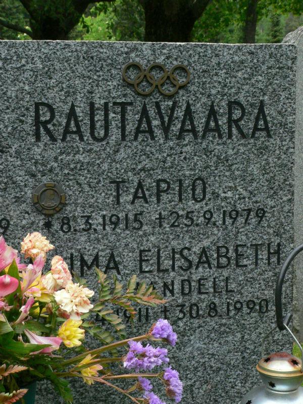 Näyttelijät ja laulajat Malmin hautausmaalla